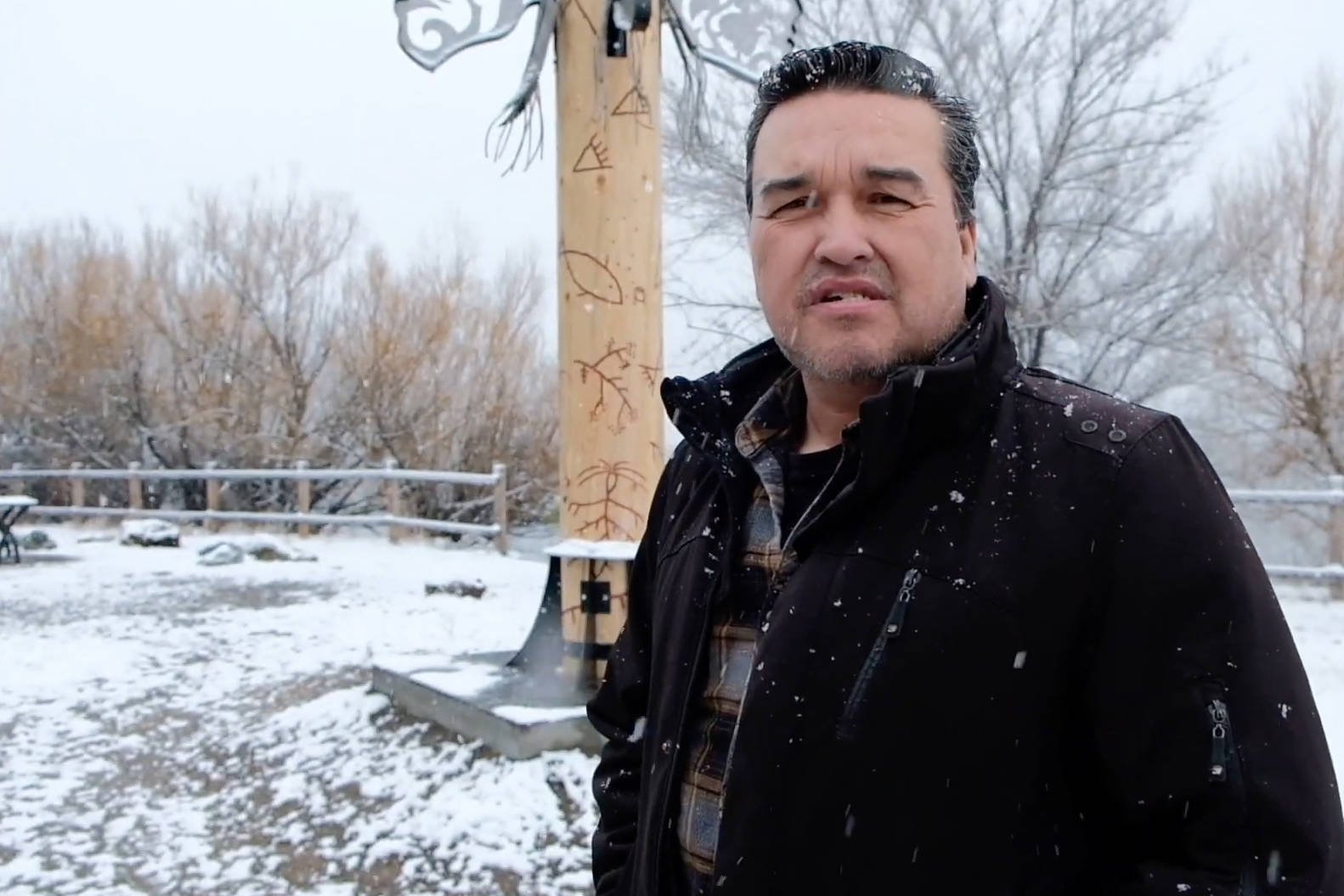 Clint George collaborated with Les Louis to create the Pelmewash Parkway Indigenous sculptures in Lake Country. (Video still)